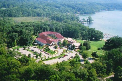 Potawatomi Inn & Cabins