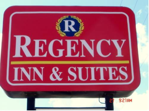 Regency Inn & Suites Bay City