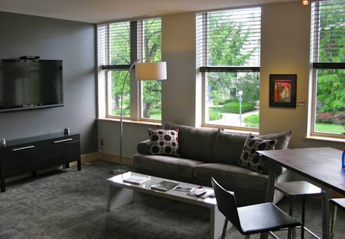Suites at 118 - Bloomington